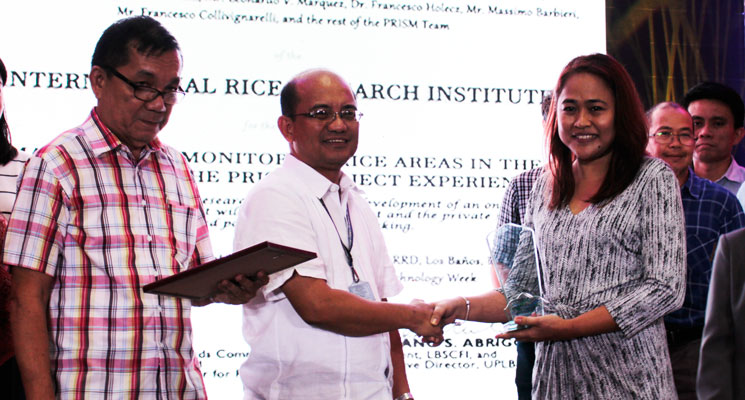 Dr. Alice Laborte receives PARRFI Research Award on behalf of PRISM